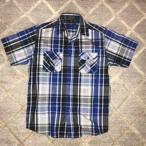 Men's short sleeved button-down shirt
